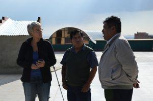 El Alto Gespräche auf dem Dach von El Ceibo